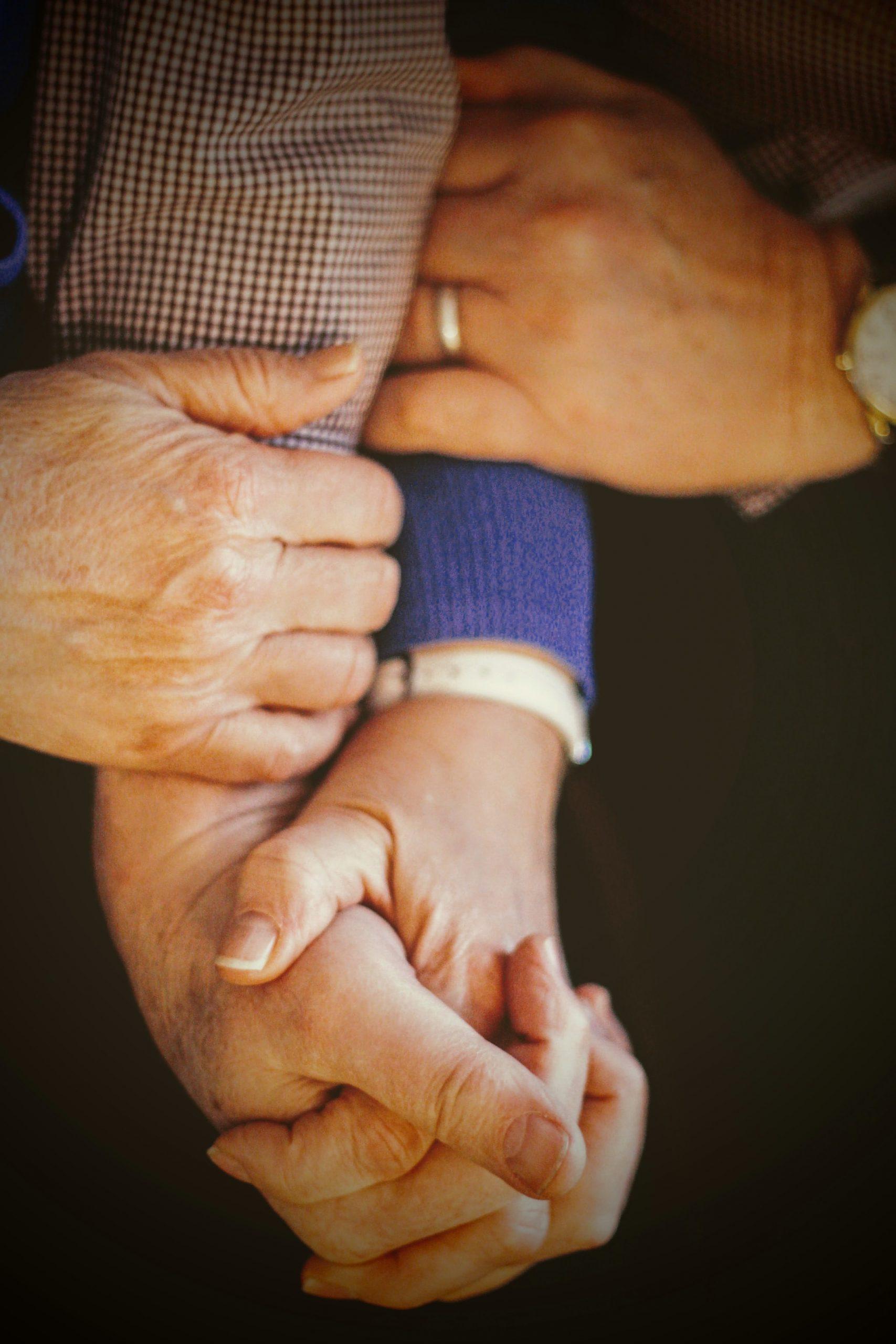 Cuidados de Personas en Casa a Domicilio u Hogar o Vivienda del Paciente