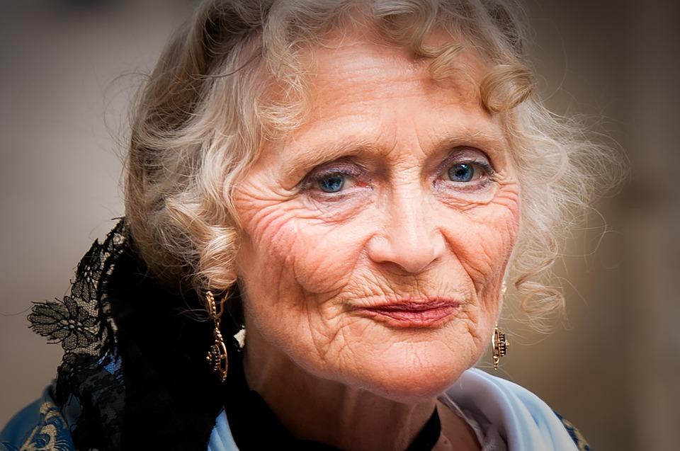 Cuidados a Domicilio en Casa Hogar o Vivienda del Paciente - Persona Enferma Adultos Mayores o Ancianos