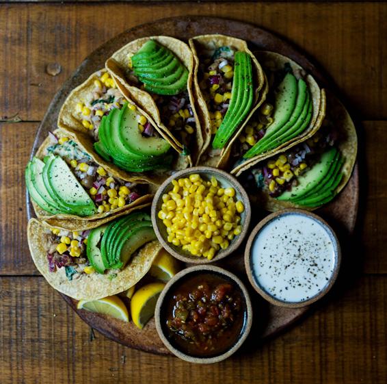 Alimentación Saludable para Personas Mayores Dependientes Sanas