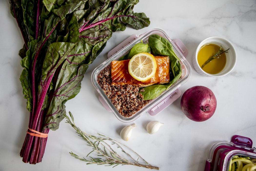 La Alimentación Saludable para las Personas Mayores Dependientes